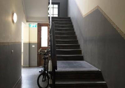 Cage d'escalier Appart Allenby - © Expérience Israélienne *
